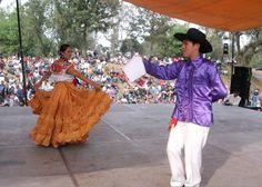 Música, Artes Gráficas, Cocina Tradicional y Lucha Libre en el Primer Encuentro de las Mixtecas - http://masideas.com/2014/11/23/musica-artes-graficas-cocina-tradicional-y-lucha-libre-en-el-primer-encuentro-de-las-mixtecas/