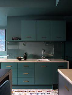 Квартира-студия: дизайн интерьера Kitchen Modular, Loft Kitchen, Kitchen Sets, Apartment Kitchen, Home Decor Kitchen, Kitchen Furniture, Kitchen Interior, Kitchen Dining, Furniture Nyc