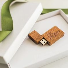 Regram of our custom USBs and packaging from @julieshufordphotography