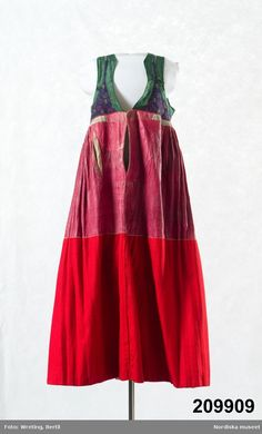 Swedish Fashion, Folk Fashion, Womens Fashion, Folk Costume, Costumes, Historical Costume, Winter Wear, Upcycle, Summer Dresses