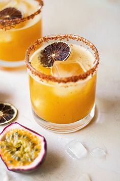 Passion Fruit Margarita Recipe, Passion Fruit Syrup, Margarita Recipes, Cocktail Recipes, Margarita Cocktail, Cocktail Sauce, Cocktail Drinks, Fruit Drinks, Yummy Drinks