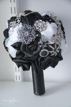 Black&white wedding fabric flower bouquet | Bukieteria