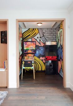 9 Basement Game Room Ideas the Whole Family Will Enjoy Garage Game Rooms, Game Room Basement, Basement Ideas, Basement Designs, Basement Closet, Kids Basement, Basement Painting, Basement Studio, Basement Decorating