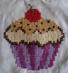 Cross Stitch Designs, Cross Stitch Patterns, Bead Crafts, Diy And Crafts, Hand Embroidery Videos, French Knots, Fuse Beads, Cross Stitch Embroidery, Cupcake