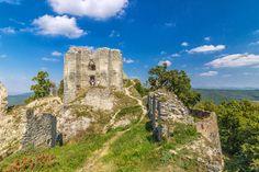 Zrúcanina hradu Gýmeš leží na kopci Drúň asi 5 km od obce Jelenec v pohorí…