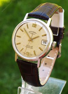 A Rotary mid-size automatic wrist watch. Vintage Watches For Men, Antique Watches, Vintage Men, Rotary Watches, Pocket Watches, Wrist Watches, Omega Watch, 1960s, Antiques