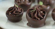 Pasticcini al cioccolato con ganache alla menta ricetta