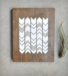 From Aaron. Chevron Screen Print on Wood by Retro Menagerie // could be a good chopping board pattern Estilo Navajo, Silk Screen Printing, Home And Deco, Wood Wall Art, Wood Print, Diy Art, Diy Projects, Crafty, Prints