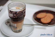 Time for a coffee... Ein Latte Macchiato oder Cappuccino ist einer meiner Lieblings-After-Work-Drinks #coffeetime #lattemacchiato