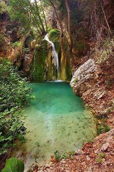 Tranquil! little bathing spot in a hidden spring