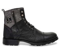 En cuir et en textile, le côté bi-matière de ce boots lui procure un look Rock en phase avec la tendance du moment. On aime sa semelle crantée qui accentue la personnalité de ce boots. On le porte avec une chemise et u