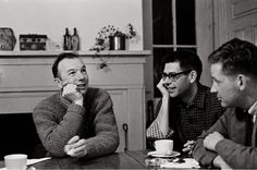 Pete Seeger with friends at the Cline home, 1962 | 15 Vintage Photos Of Pete Seeger, Bob Dylan, And Other Folk Legends From The '60s And '70s