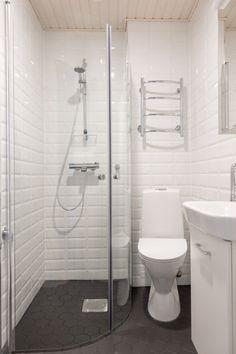 www.kaisakallatsa.fi Toilet, Bathtub, Bathroom, Bakken, Standing Bath, Washroom, Bath Tub, Litter Box, Bathtubs
