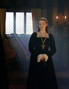 Tudor Fashion, Medieval Fashion, European Fashion, Los Tudor, The White Princess, Princess Mary, Queen Mary, Lady Mary, Vestidos