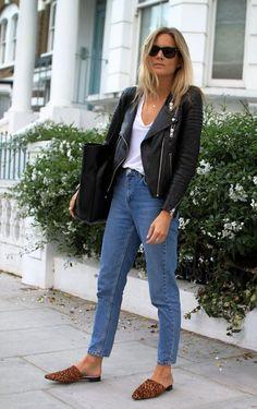 slipper flat mules fashion me now Fashion Me Now, Look Fashion, Autumn Fashion, Gq Fashion, Fashion Office, Jeans Fashion, Fashion Lookbook, Daily Fashion, Fashion News
