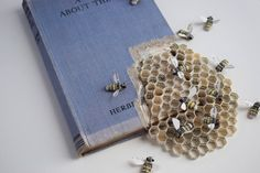 insect art projects - New Paper & Textile Wildlife Sculptures by Kate Kato Sculpture Textile, Sculpture Art, Paper Sculptures, Sculpture Ideas, Origami, Altered Book Art, Matchbox Art, Colossal Art, Bee Art