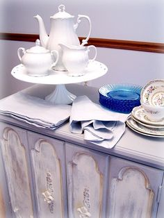 cake stand as a server for the tea set