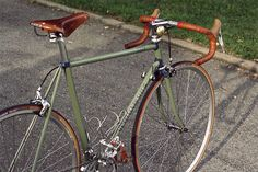 Six-Eleven Bicycle Co. Classic Road - Road Bike - Ideas of Road Bike - Six-Eleven Bicycle Co. Bici Retro, Velo Retro, Velo Vintage, Retro Bicycle, Vintage Cycles, Vintage Bikes, Retro Bikes, Classic Road Bike, Classic Bikes