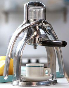 Presso Espresso manual coffeemaker to save energy
