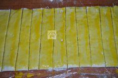 Rasucite cu branza - CAIETUL CU RETETE Butcher Block Cutting Board, Kitchen, Food, Salads, Cooking, Eten, Kitchens, Meals, Cuisine