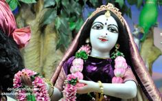 To view Radha Close Up Wallpaper of ISKCON Chowpatty in difference sizes visit - http://harekrishnawallpapers.com/srimati-radharani-close-up-wallpaper-059/