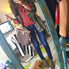 plaid flannel shirt and olive jacket with ankle boots + LV cute casual :) Fall Winter Outfits, Autumn Winter Fashion, Fall Fashion, Disco Fashion, Winter Style, Teen Fashion, Retro Fashion, Fashion Models, Casual Outfits