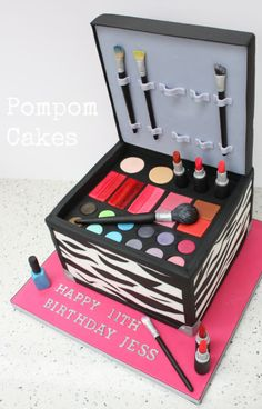 Edible Art, Makeup Case Cake. Um, why does an 11 year old need a makeup case?!
