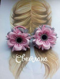 Однокласники Paper Flowers Diy, Handmade Flowers, Fabric Flowers, Making Hair Bows, Diy Hair Bows, Ribbon Crafts, Flower Crafts, Ribbon Flower Tutorial, Kanzashi Flowers
