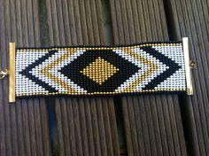 Bracelet Manchette perles de rocailles par VeryLittleThing sur Etsy, €20.00