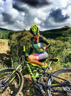 For more great pics, follow www.bikeengines.com https://www.uksportsoutdoors.com/product/wethepeople-trust-2017-bmx-bike-blackblack20-5/