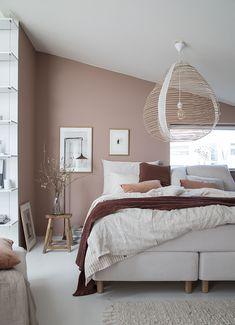 My dream bedroom update: Sandö bed from Swedish brand Carpe Diem Beds Scandinavian Bedroom, Nordic Bedroom, Pink Bedrooms, Home Bedroom, Bedroom Inspo, Modern Bedroom, Dream Bedroom, Pink Master Bedroom, Warm Bedroom