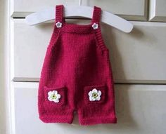 Most Fashionable Baby Overalls – Knitting And We Baby Dungarees Pattern, Baby Overalls, Baby Pants, Baby Dress Pattern Free, Baby Dress Patterns, Baby Knitting Patterns, Free Pattern, Knit Baby Dress, Crochet Baby Clothes