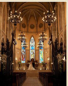 大聖堂 Christian World, The Rite, Place Of Worship, Catholic, Cathedral, Beautiful Places, Scenery, Castle, Ceiling Lights