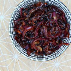 Caramelized Red Onions - The Vegan Eskimo Vegan Side Dishes, Tasty Dishes, Fourth Of July Food, Always Hungry, Wrap Sandwiches, Caramelized Onions, Weight Watchers Meals, Nom Nom, Vegan Recipes
