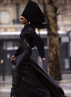 If I saw this elegant woman striding toward me I wonder if I would have enough courage to speak to her.