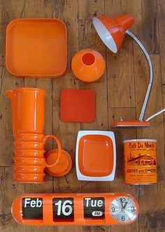 1970s orange.....Susie would probably have had this stuff....she loved orange anything. LOL.
