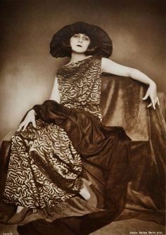Lya De Putti (1897-1931)  silent film actress
