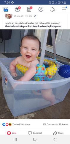 Summer Fun for Baby! Fun and easy way to cool off your baby during the hot summer months. Check out this Summer Fun for your 4 Month Old! Summer water play is important. Baby Life Hacks, Mom Hacks, Future Mom, Ideias Diy, Baby Arrival, Everything Baby, Baby Time, Baby Play, Baby Essentials