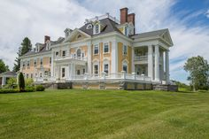 a stately colonial style mansion in burke vermont is on American Mansions, American Houses, Old Mansions, Mansions Homes, Abandoned Mansions, Luxury Apartments, Luxury Homes, House Goals, Architectural Digest