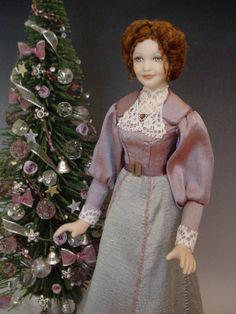Dollhouse Doll: Edwardian mother dressed in silk