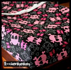 Love this for a changing pad! Free Baby Stuff, Cool Baby Stuff, Biker Baby, Baby Shower Registry, Rockabilly Baby, Baby Sewing, Sew Baby, Goth Baby, Girl Skull