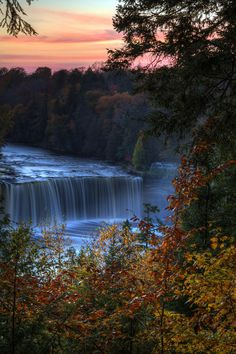✯ Autumn At Tahquamenon Falls - MI