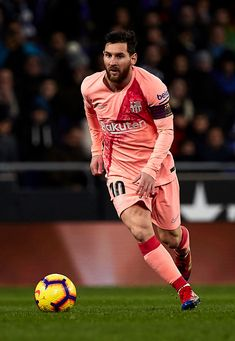 Lionel Messi of FC Barcelona drives the ball forward during the La. Fc Barcelona, Lionel Messi Barcelona, Barcelona Soccer, Lional Messi, Messi Fans, Messi Soccer, Nike Soccer, Soccer Cleats, Ronaldo Soccer