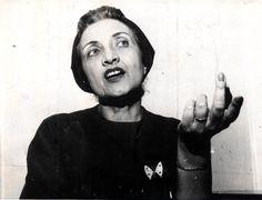 Cecília Meireles (1901-1964) escreveu e viajou bastante. Um de seus livros mais famosos é 'Romanceiro da Inconfidência', publicado em 1953, sobre os conflitos históricos na Vila Rica do século XVIII.  Fotografia: Acervo UH/Folhapress.