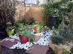 Au fond du jardin, un petit coin qui peut être assez gai finalement !