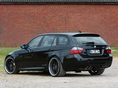 BMW Touring de 2010 by Manhart Racing Suv Bmw, Bmw Cars, Bmw E36, Bmw 320d, Wagon Cars, Bmw Wagon, E91 Touring, Bmw Design, Bmw Wallpapers