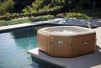 Ein aufblasbarer Whirlpool macht oft glücklicher als ein festinstalliertes Modell. Ist der Whirlpool...