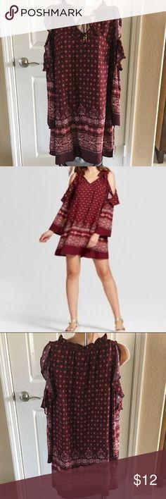 "Pretty Cold Shoulder Mini Dress. New Pretty cold shoulder mini dress Brand New Burgundy  Nice print Size X Small 100% rayon Bust 38"" Knox Rose Dresses Mini"