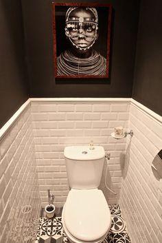 D co toilettes design avec murs en stuc gris taupe papier m tallis gris cuvette suspendue - Deco toilettes taupe ...