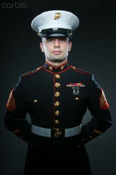 Us Marine Corps Uniforms | United States Marine Corps Marine in dress uniform - 42-28348491 ...